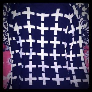 💜 Chic Black & White Sweater